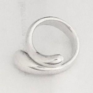 Tiffany & Co. Jewelry - 💝Elsa Peretti Teardrop Ring💝